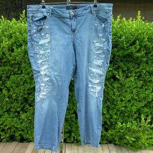 Torrid Distressed Bling Boyfriend Jeans Size 26